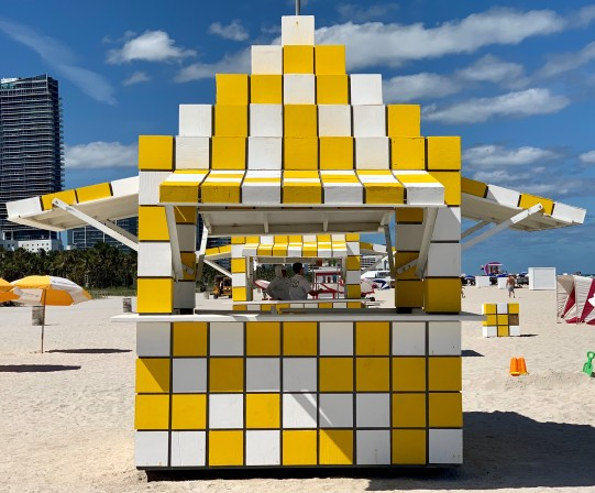 Miami beach - rubics cube - by Mylilplace